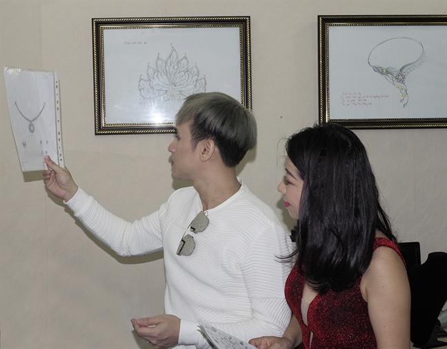 Ca si Nguyen Vu ban dau gia ngoc trai tung tang vo cuu Tong thong Obama