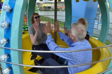 Cha xây dựng công viên giải trí 51 triệu đô cho con gái khuyết tật