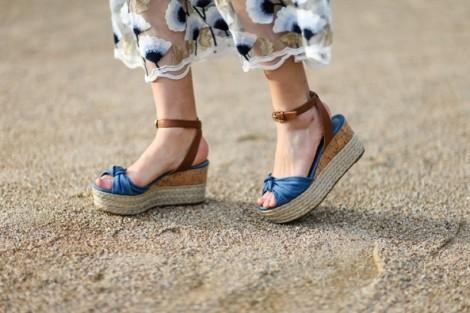 Mẹo chọn giày cho nàng chân to giúp che khuyết điểm, tăng chiều dài cơ thể