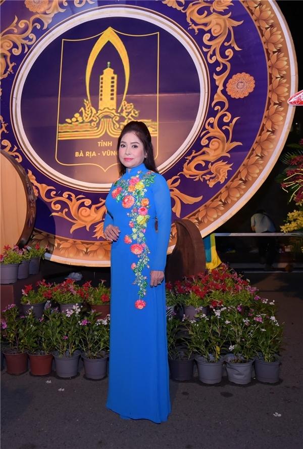 NSUT Phuong Hang: Ngoanh lai, den mai nha cung khong co