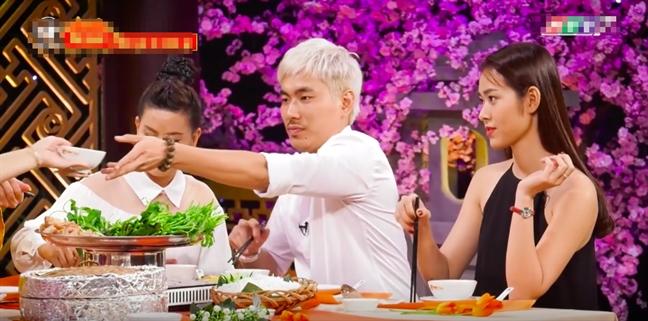 Kieu Minh Tuan tan tinh chan soc Le Giang du co mat Cat Phuong
