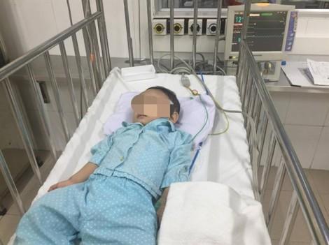 Bé trai 1 tuổi nghi bị bạo hành được xuất viện về với gia đình