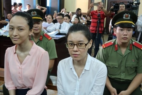 Hoa hậu Phương Nga nhận quyết định tạm đình chỉ vụ án