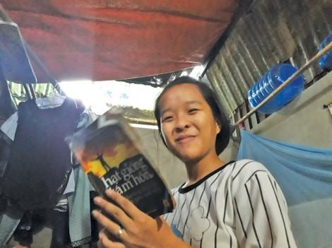Học bổng 'Nữ sinh hiếu học, vượt khó' lần 27: 'Duyên lành' đầu năm học