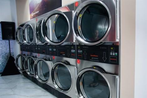 Cửa hàng giặt-sấy-gấp trong 1 giờ, người dùng có thể… tự phục vụ
