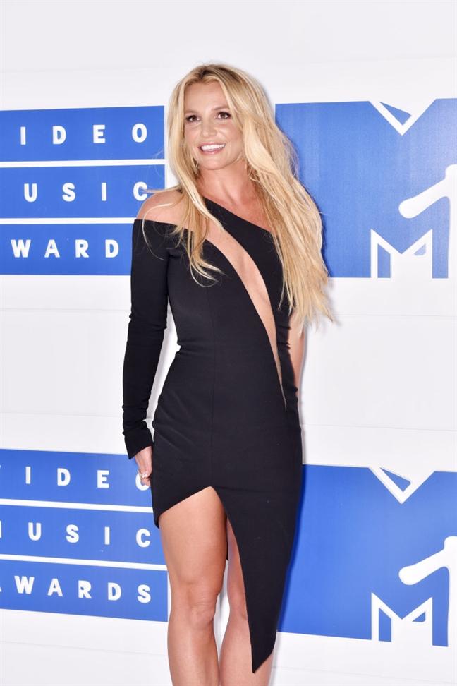 Bi quyet giu dang o tuoi 35 cua nu ca si Britney Spears