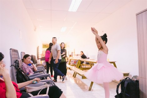 Chuyện cô bé 9 tuổi chữa trầm cảm bằng múa ba-lê
