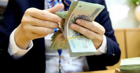 Tăng lương, tăng thuế VAT: 2 nhát búa đập vào thị trường