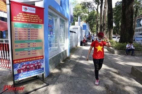 Cổ động viên thẫn thờ khi U22 Việt Nam thua cay đắng 0-3 trước Thái Lan
