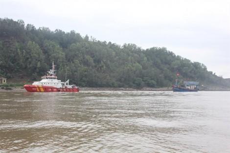 Cứu tàu cá cùng 19 ngư dân trôi dạt trên biển trước bão số 7