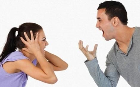Muốn quỳ lạy người yêu cũ vì chiêu trò 'ăn không được thì phá cho hôi'