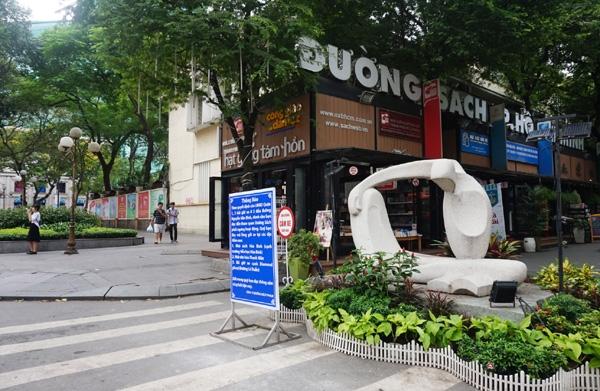 Bon bai xe 'khung' o trung tam TP ngung hoat dong sau kiem tra cua ong Doan Ngoc Hai
