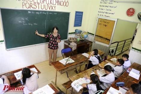 Lớp học trẻ nhập cư của cô giáo 65 tuổi ở Sài Gòn
