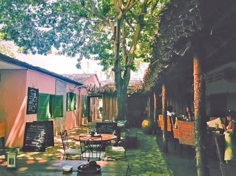 Những quán cà phê dịp lễ 2/9 - ngày Quốc khánh bình yên chim hót