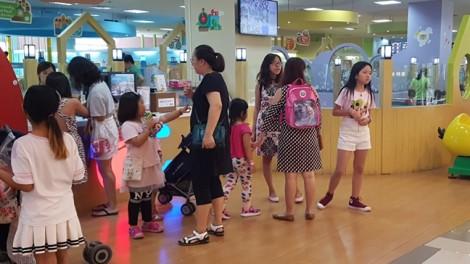 Ngày cuối đợt nghỉ lễ 2/9, khu vui chơi dành cho trẻ em hút khách