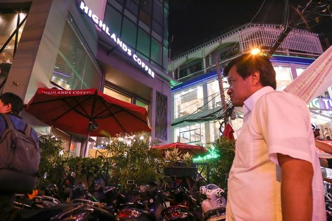 Ong Doan Ngoc Hai dieu chuyen nu can bo trat tu do thi vi de via he bi tai chiem