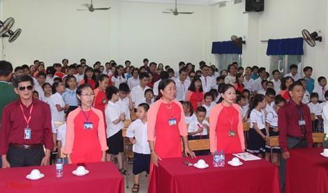 Buổi khai giảng 'đặc biệt' của học sinh trường khiếm thị Nguyễn Đình Chiểu