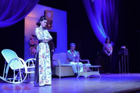 Diễn viên Trịnh Kim Chi trộn bolero với kịch