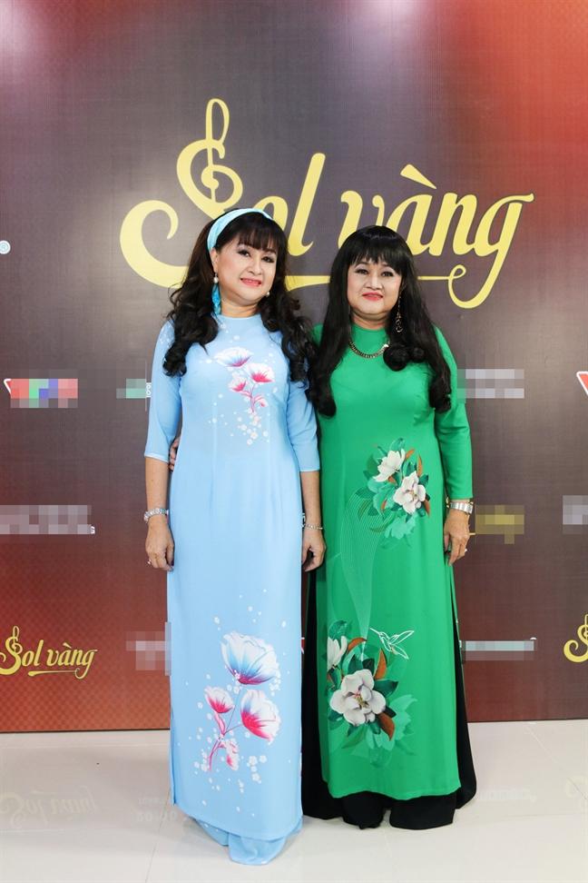 Chua mot lan gap mat, Phuong Dung van luon khoc nuc no khi hat nhac cua tac gia 'Con thuong rau dang moc sau he'