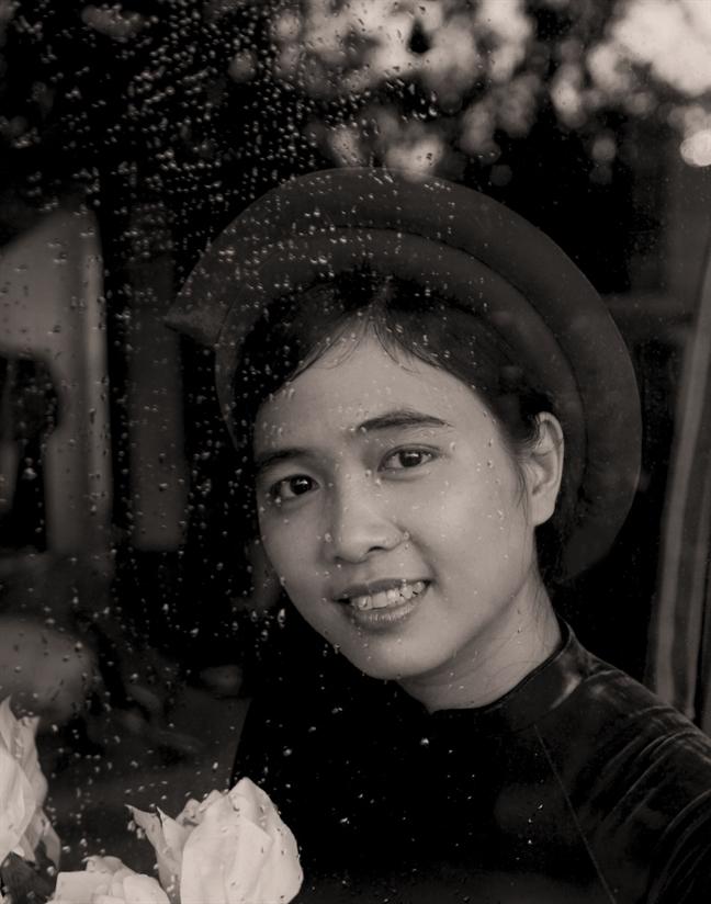 Ly Hoang Ly -  Tu 'Lo lo' den '0395A.DC'