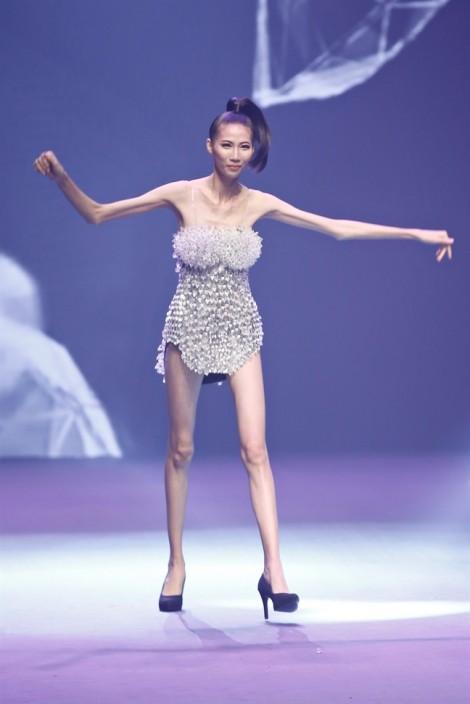 Size 0 - vấn nạn của làng thời trang