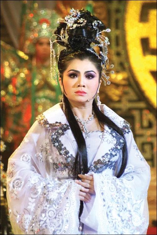 Nghe si Trinh Trinh tiet lo chuyen bi Tu Suong 'giat show' tren san khau