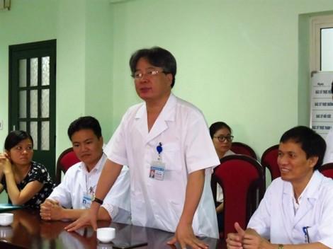 Bệnh nhân tố Bệnh viện Việt Đức không xếp lịch mổ vì không có tiền lót tay