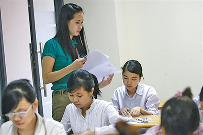 Giang vien dai hoc cong lap luong thap, khong the cam 'chay so'!