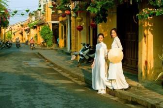 Họa sĩ - nhiếp ảnh gia Dzũng Art: Khi vợ sinh con gái, tôi đã khóc…