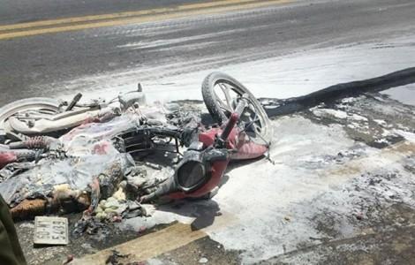 Bé gái 5 tuổi bỏng nặng vì xe tải kéo lê xe máy rồi phát hỏa