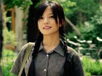 Kiểu tóc đẹp dễ làm giúp Triệu Vy trẻ như gái đôi mươi dù ngoài 40