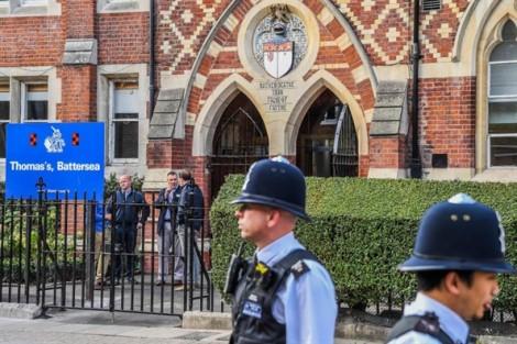Người phụ nữ lạ mặt đột nhập vào trường, định bắt cóc Hoàng tử nhí của Anh?