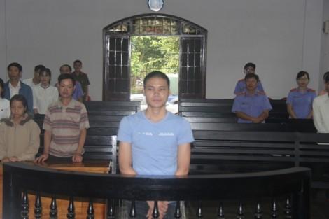 Lãnh 13 năm tù vì hiếp dâm con gái chủ nhà