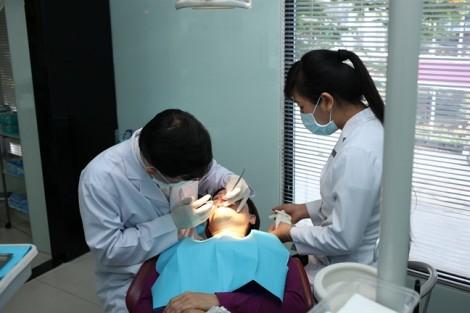 Bệnh viện Răng Hàm Mặt TP.HCM: Mỗi năm có 1.000 khách du lịch đến điều trị