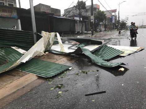 Đóng cửa cây xăng 'chặt chém' người dân sau bão