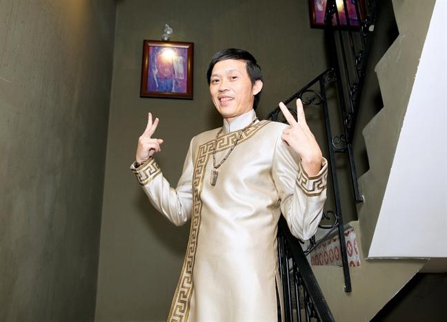 Hon 200 nguoi cat luc phuc vu cho live concert cua Quang Ha