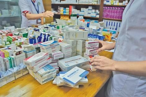 Vụ thuốc của công ty 'ma' tràn ngập bệnh viện: Bị cấm nhập khẩu, vẫn trúng thầu