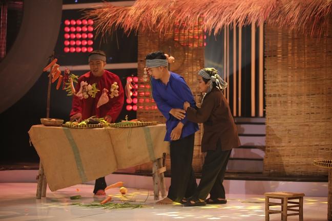 Hoai Linh 'dan mat' vi bi Xuan Bac che noi giong kho nghe