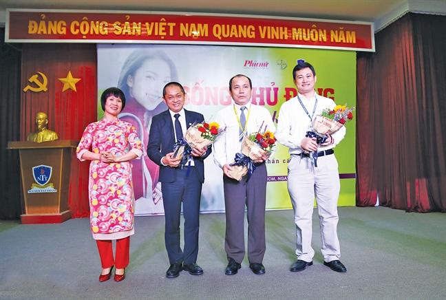 """Song chu dong: Khong ai thay the ban"" bat dau lan toa den hon 2.000 sinh vien tai TP.HCM"