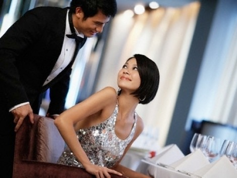 Sau ngày cưới, 'ga lăng' của chồng chuyển hết sang đàn bà khác