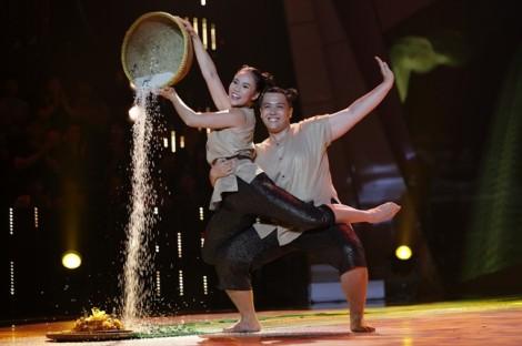 Mê thi gameshow bị đuổi việc, thí sinh được Việt Hương trả lương