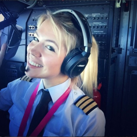 Cuộc sống của nữ phi công xinh đẹp khiến hàng chục ngàn người ao ước