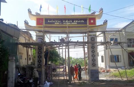 Cổng làng trăm triệu bị nhầm thành 'làng của Trung Quốc'