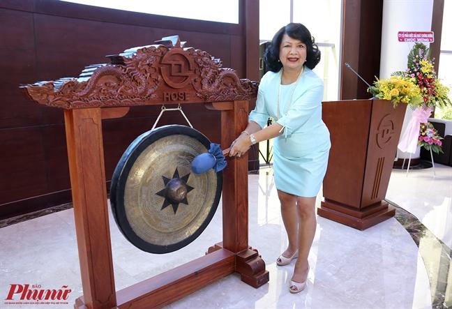 Danh cong huong ung Hoi nghi thuong dinh Phu nu toan cau