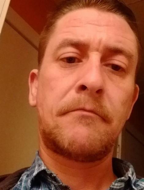 Người đàn ông Anh ôm trái tim tan vỡ sau khi gửi 50 triệu cho 'bạn gái online'