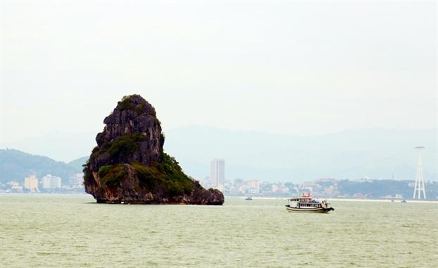 Ha Long - Ky quan the gioi khong ngung hut khach
