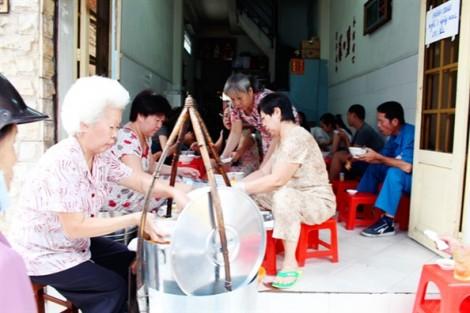 Điểm danh những quán ăn chỉ bán trong vòng 1 giờ ở Sài Gòn