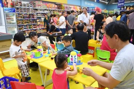 Co.opmart Huỳnh Tấn Phát giảm giá 50% hàng ngàn mặt hàng nhu yếu phẩm