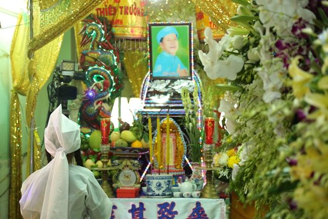 Con gai nghe si Khanh Nam: 'Toi thay co loi khi khong ve tham khi ba con song'