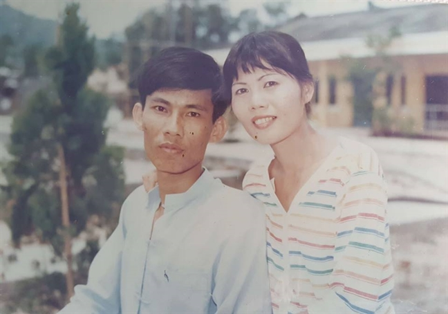Nguoi than nam benh, mot troi thuong yeu: 32 nam song sot than ky